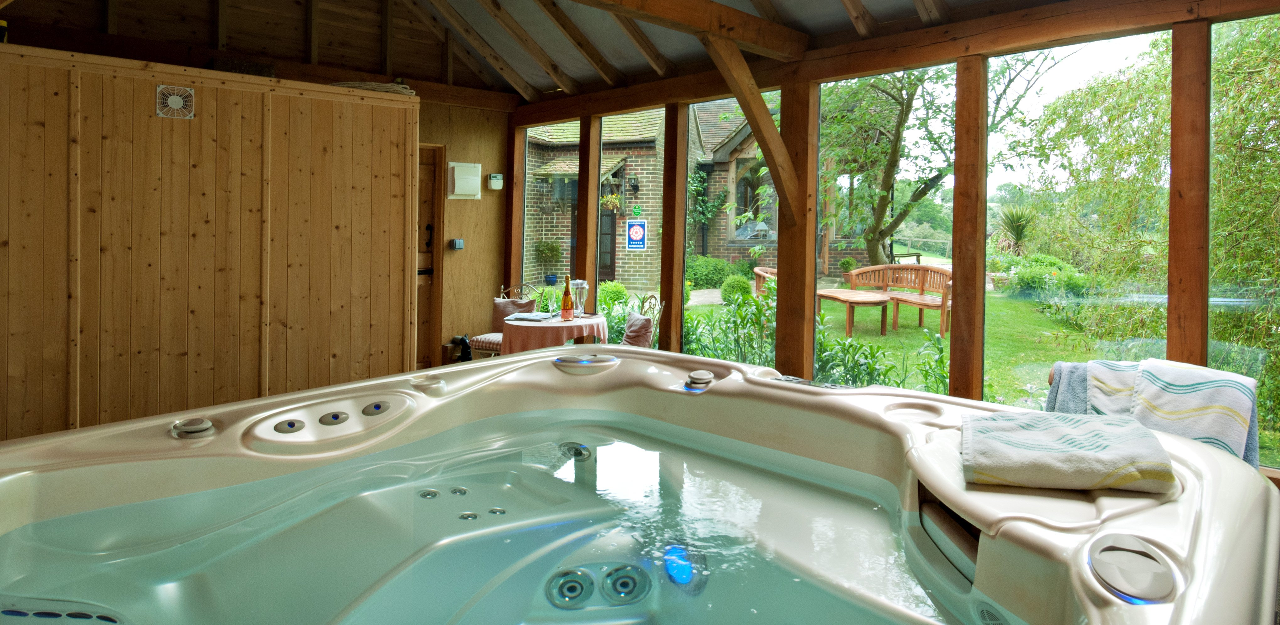 Bed and Breakfast with a hot tub and garden views